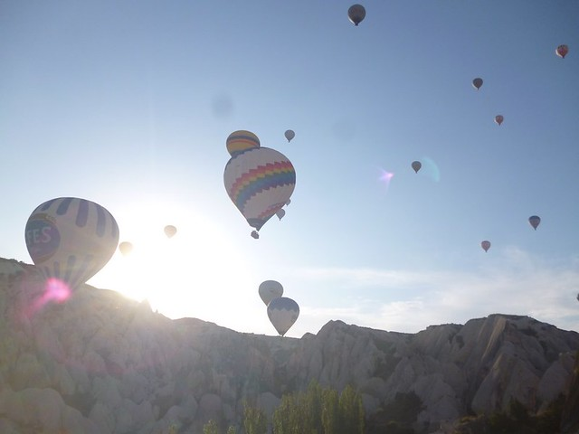 Flight of the hot air balloons-001