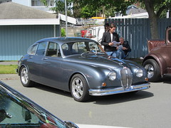 executive car(0.0), performance car(0.0), supercar(0.0), sports car(0.0), automobile(1.0), daimler 250(1.0), jaguar mark 2(1.0), wheel(1.0), vehicle(1.0), automotive design(1.0), jaguar mark 1(1.0), antique car(1.0), sedan(1.0), vintage car(1.0), land vehicle(1.0), luxury vehicle(1.0), jaguar s-type(1.0),