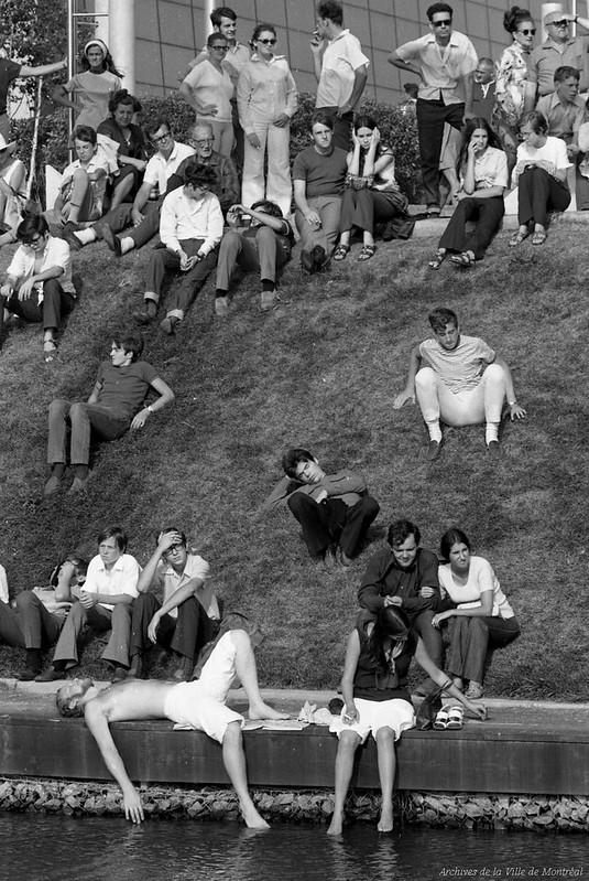 Spectateurs lors de la prestation de The Mothers of Invention à Terre des Hommes, 17 août 1969, VM94-TH9-282-003