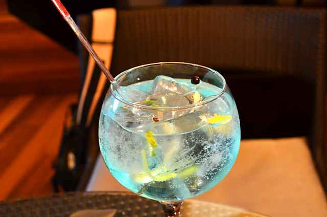 Mare gin and tonic