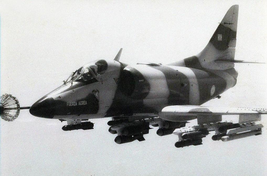 Fotos de la Fuerza Aérea Argentina - Página 3 9479078545_6a4c5f0e8b_b