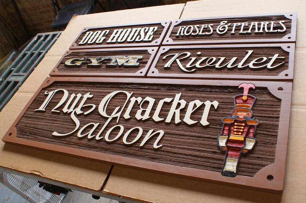 an introduction to how to make sandblasted signs Make sure the sign is not so high that the potential custom can easily miss it make sure the sign is close in proximity to the viewer don't hide your business sign away from the road look at the business surroundings the sign shouldn't blend or get lost in with the color of the building steer clear of obstructive objects like tree limbs or bushes.