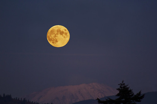 moon eclipse fullmoon moonrise sainthelens