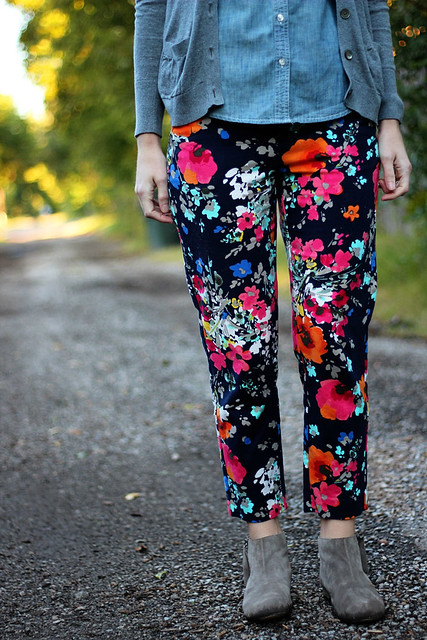 floral-pants-chambray-with-cardigan-6