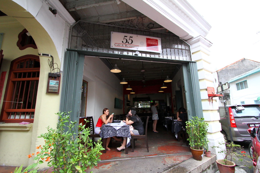 George Town Cafes: Cafe 55 Entrance