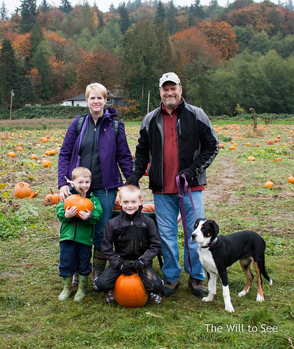 pumpkin patch 2013 family.jpg