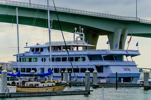Yacht StarShip Dining Cruise at Clearwater Harbor Marina