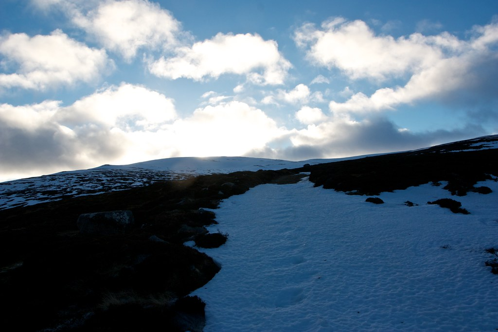 Snow track to Carn an Tuirc