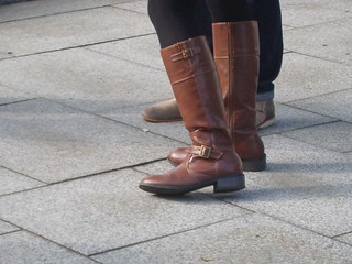 low heel under knee boots