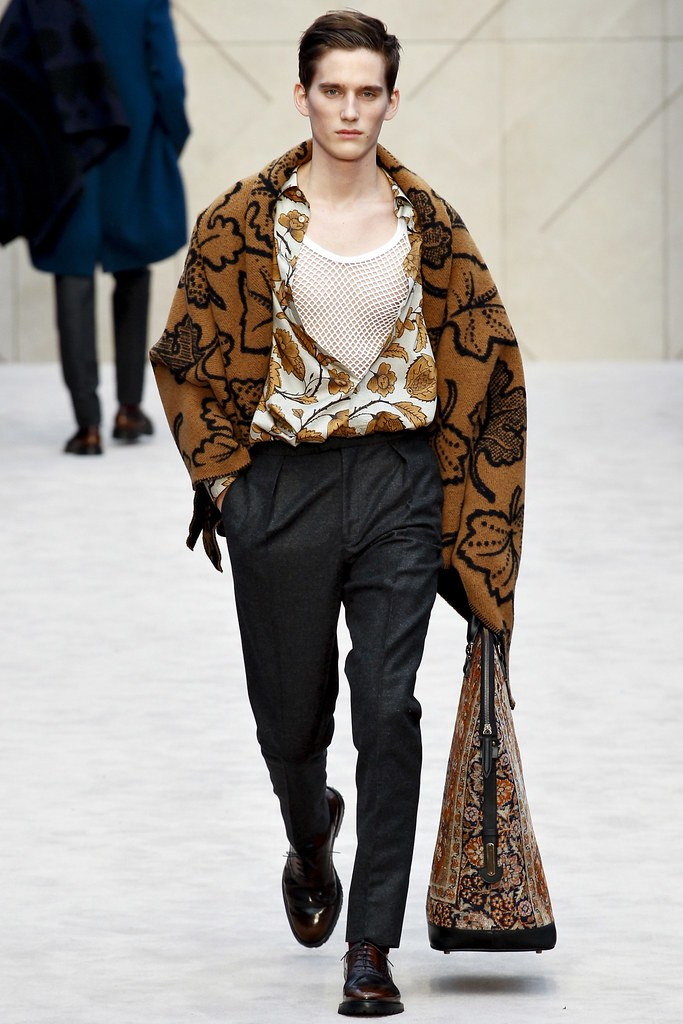 FW14 London Burberry Prorsum034_Sebastian Brice(VOGUE)