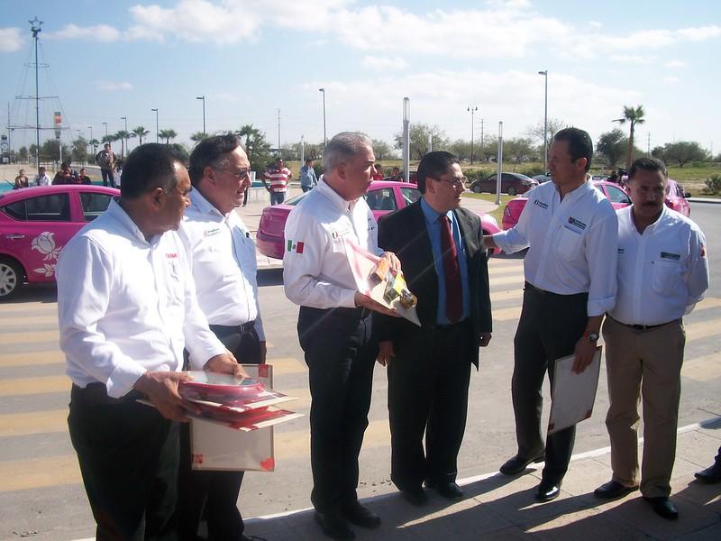 dina-runner-10-entrega-unidades-reynosa-tamaulipas_vision-automotriz-02