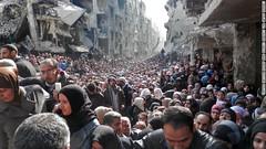La fila per il cibo (Foto: UNRWA)
