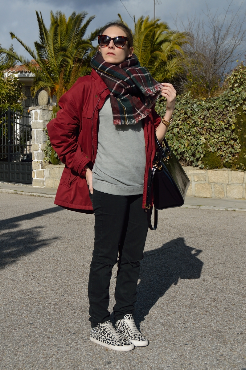 lara-vazquez-madlula-blog-burgundy-casual-look