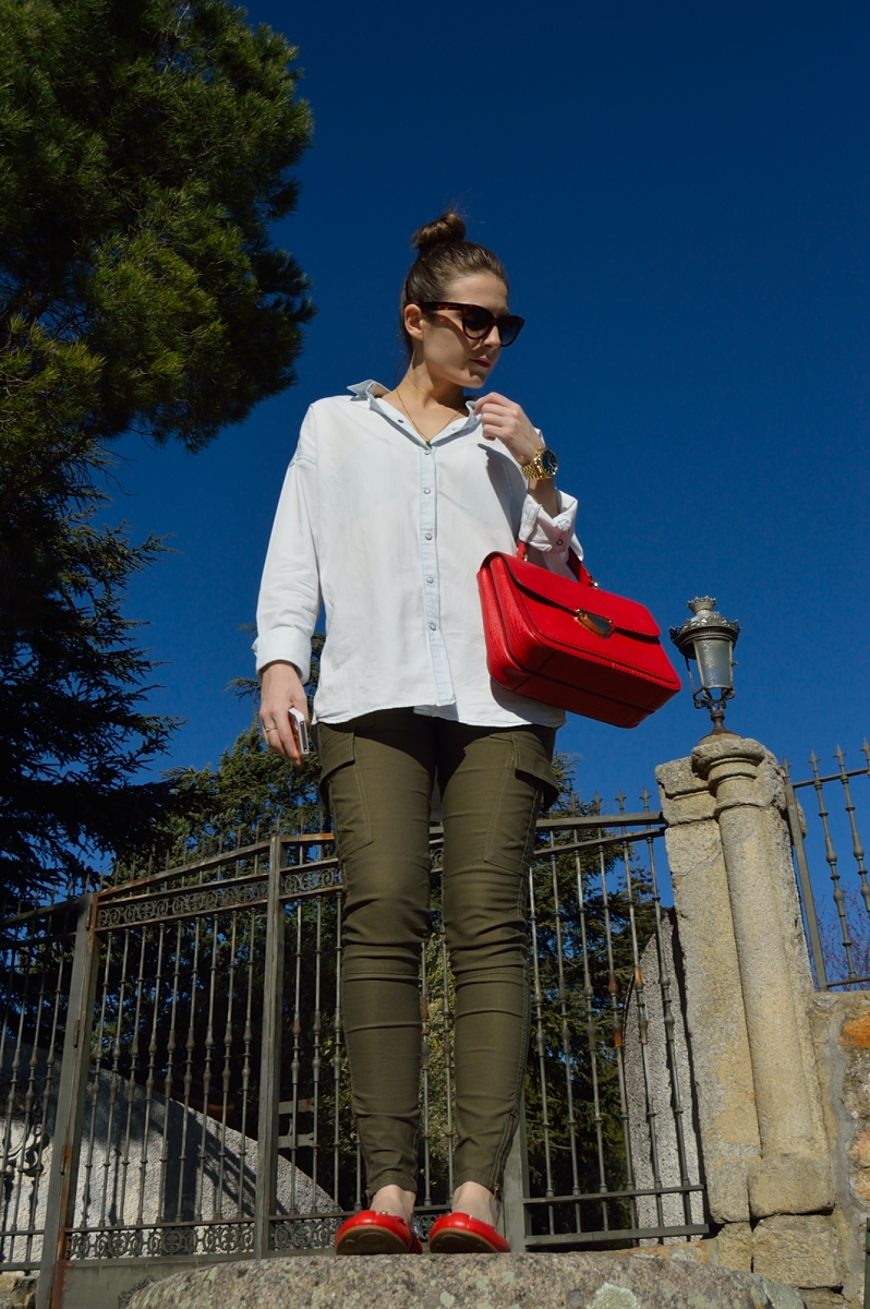 lara-vazquez-madlula-blog-style-red-details-accessories-trends