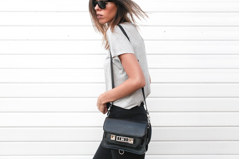 modern legacy fashion blog australia street style grey boyfriend tee t shirt high waisted jeans Proenza Schouler PS11 mini classic bag slide sandals Ray Ban Oversized Wayfarers (8 of 12)