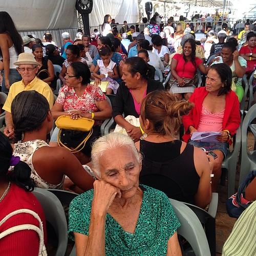 #bomdia #brasil !! #idosa aguarda #atendimento dos #voluntariosdosertao em #una na #bahia #intrabartolo #fotograforibeiraopreto