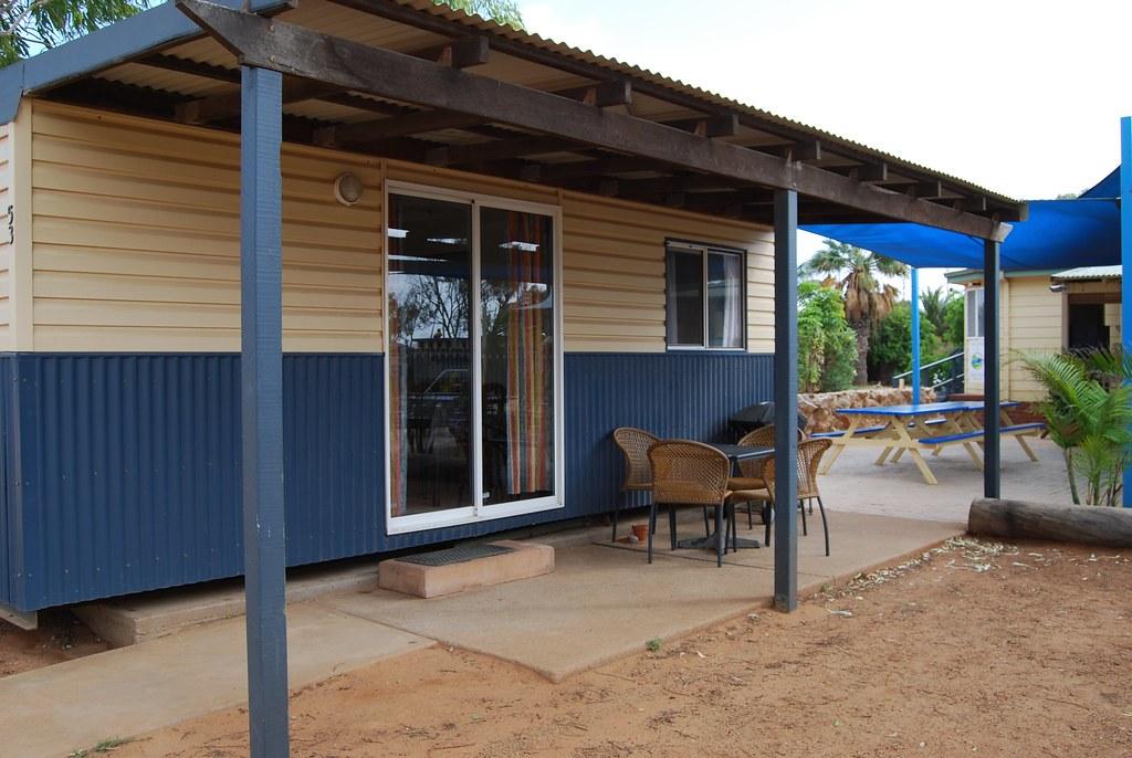 ensuite standard cabin coral coast tourist park. Black Bedroom Furniture Sets. Home Design Ideas