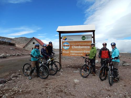 Descente du volcan Chimborazo à vélo. Départ à 4800m !