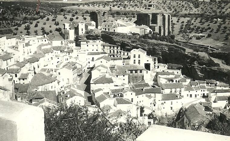 Vista general de Setenil desde El Carro. Foto: ANTONIO SÁNCHEZ.