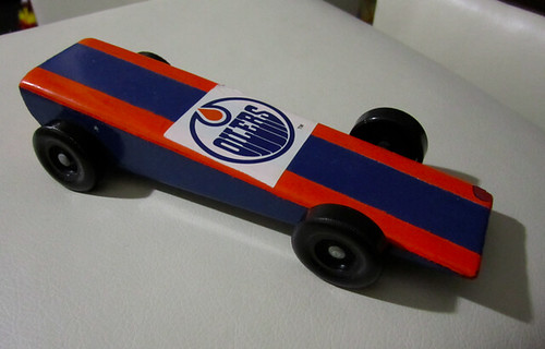Oilers pinewood car.png