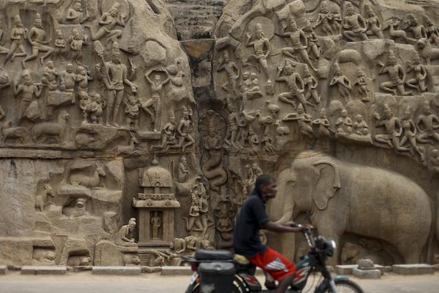 Mamallapuram carved wall