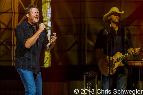 Blake Shelton – 09-28-13 – Ten Times Crazier Tour, The Palace Of Auburn Hills, Auburn Hills, MI