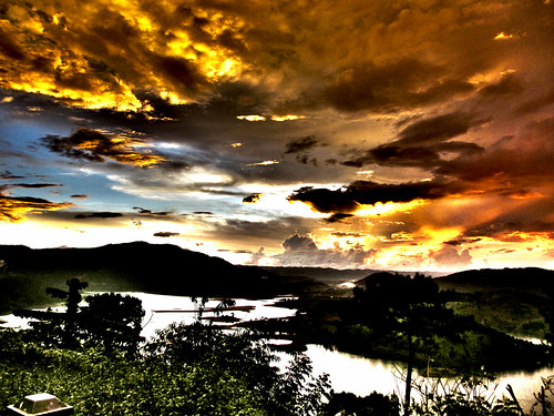 sunset lake clouds canon landscape interestingness ixus 230 hdr shillong hs meghalaya barapani sirwatkyn
