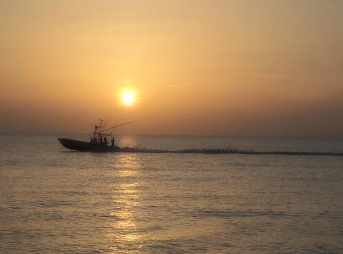 sunrise boat fishing day florida cloudy stuart atlanticocean hutchinsonisland