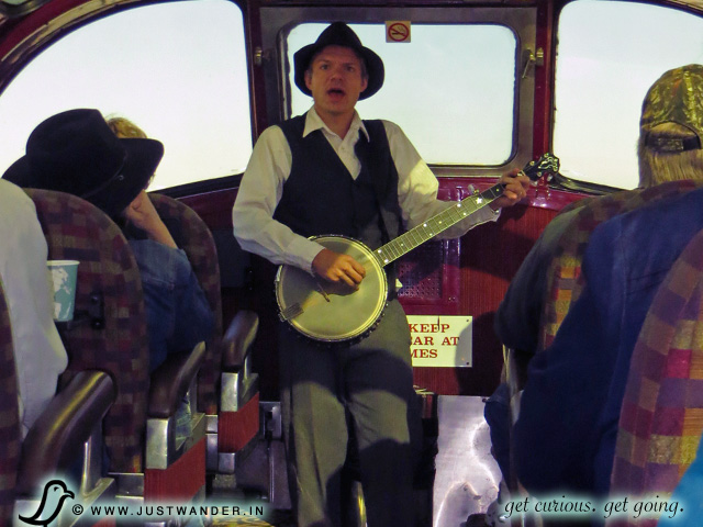 PIC: Banjo Music aboard the Grand Canyon Railway
