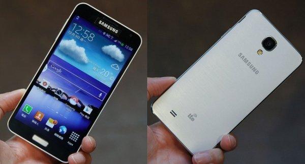 Смартфон Samsung Galaxy J