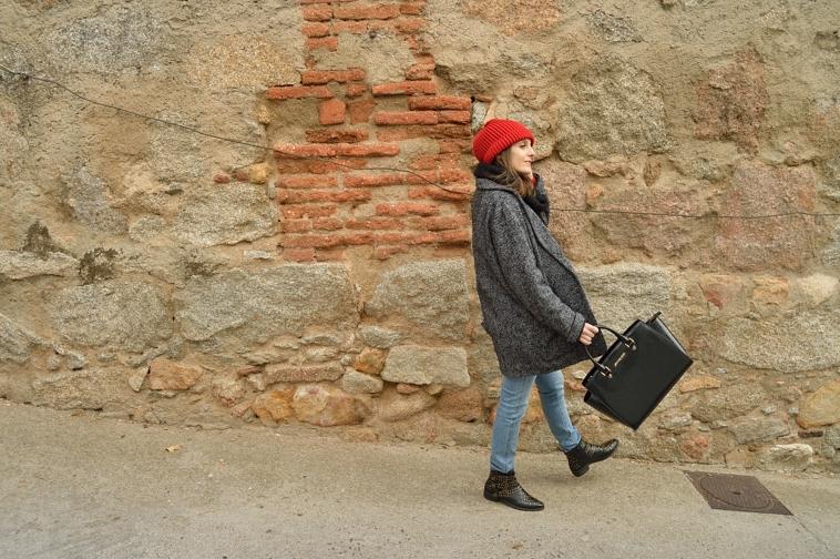 lara-vazquez-madlula-fashion-blog-oversized-coat
