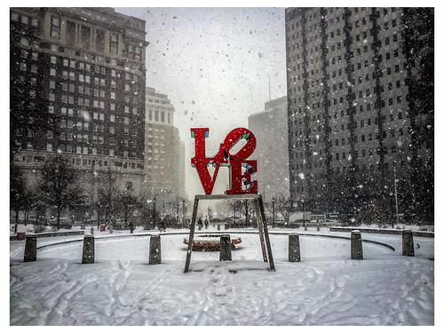 Philadelphia LOVE Snow (iPhone)   Flickr - Photo Sharing!