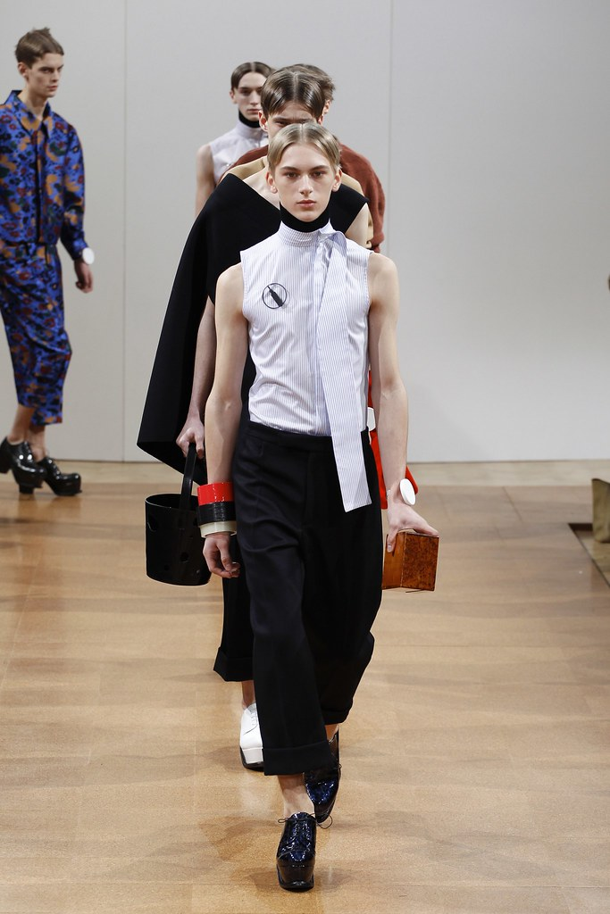 Dominik Sadoch3045_FW14 London J.W Anderson(VOGUE)