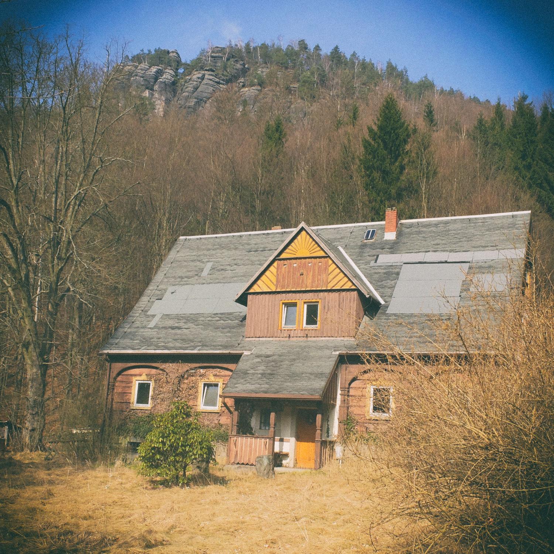Altes Forsthaus vor dem Teichstein