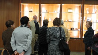 Archivist Kenneth Woodrow Henke addresses Lorraine Haucke, Angelica Mariani, Marlene Gordon, Ellyn Vogel, Danuta Buzdygan-Stys, and Janet Reiche. -WCCP-PTSLibrary-IMG_4879_web