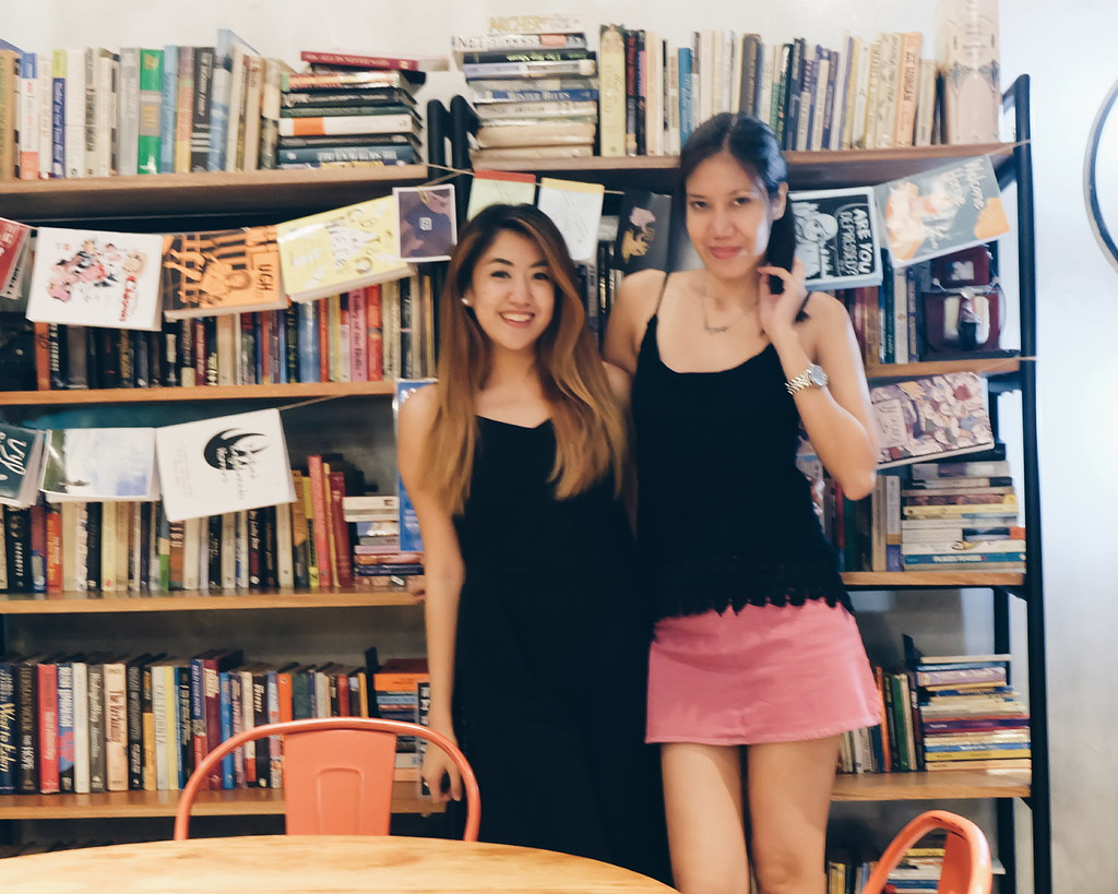 instagrammable book cafe