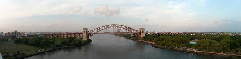Panorama of Hell Gate Bridge
