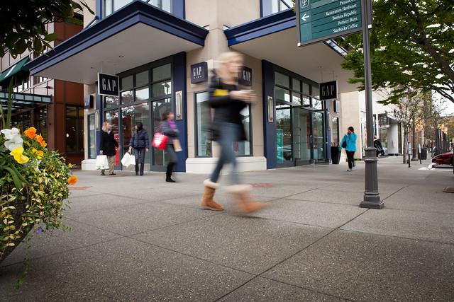 041113-maxpoint-319x corner mall