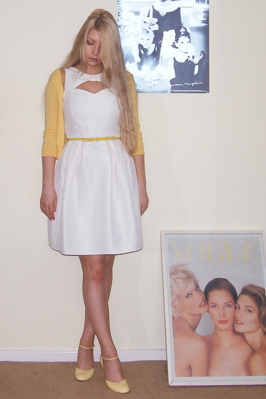 F&F, Tesco, White Dress, Yellow Belt, Jacquard, Cut Out, Lantern, How to Wear, Yellow Shoes, '60s, Beehive, Outfit Ideas, Style Ideas, Sam Muses