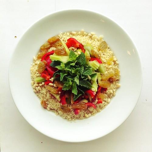 Grains week day 3: #wholegrain #couscous, red sweet #pepper, #celery, jumbo #raisins, pine #nuts, #mint. #vegan #vegetarian #salad #saladporn #saladpride #eatclean #healthnut #healthyfood #healthyfoods #healthylunch #healthysalad #healthyeating #healthyfo by Salad Pride