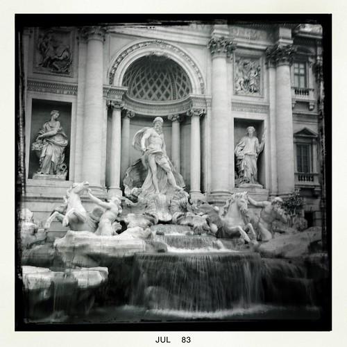 Fontana di Trevi by Davide Restivo