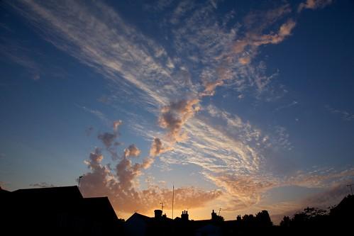sunset summer sky night buildings tramonto buckingham pwpartlycloudy