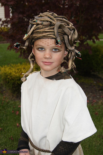 homemade-medusa-costume costume-works