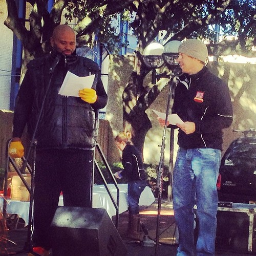 Ruben Studdard handing out 5k awards at #magiccityhalf today!