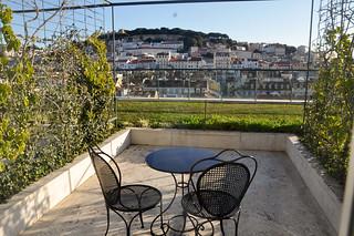 http://hojeconhecemos.blogspot.com.es/2013/12/sleep-hotel-do-chiado-lisboa-portugal.html