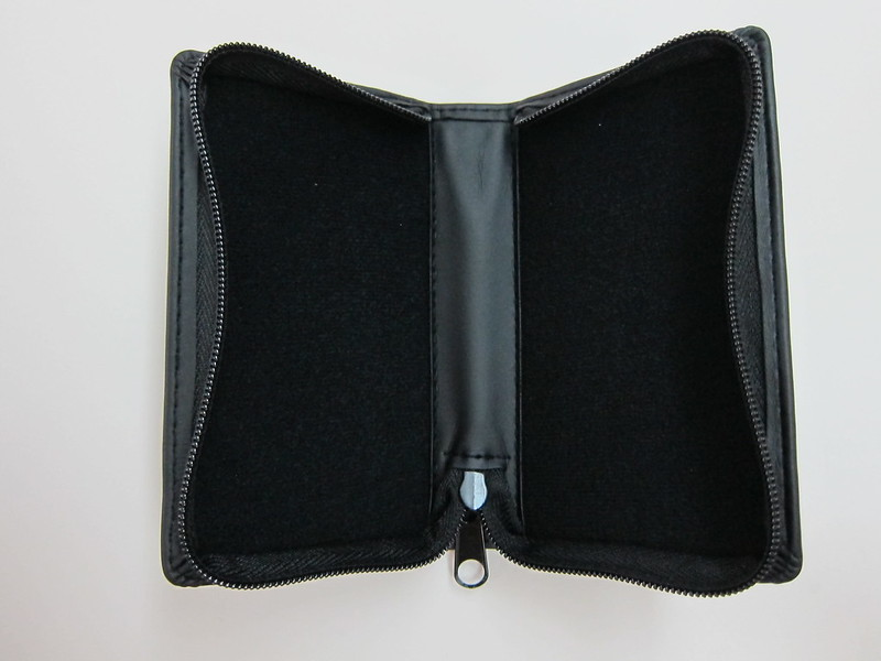 Bose MIE2i - Carrying Pouch (Open)