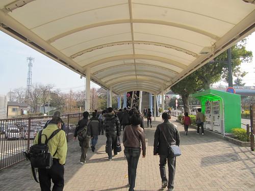 中京競馬場へのアクセスの様子