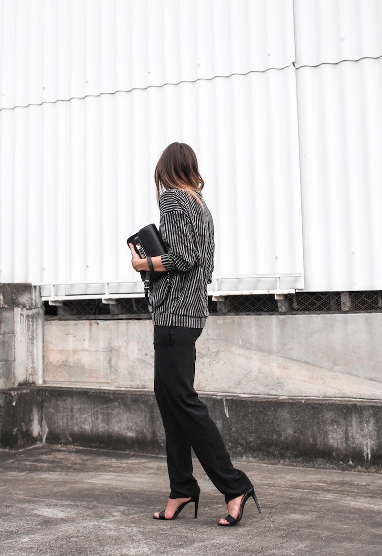 modern legacy fashion blog australia minimalist monochrome street style Topshop Boutique sweatshirt Saba silk straight leg pants Tibi heels Proenza Schouler PS11 Mini Satchel bag Ray Ban oversized wayfarers (2 of 5)