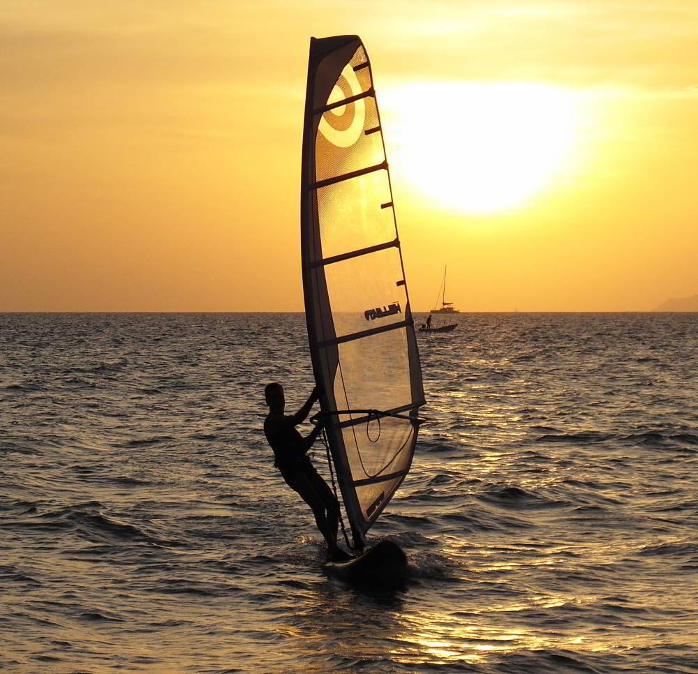 pattaya windsurfing