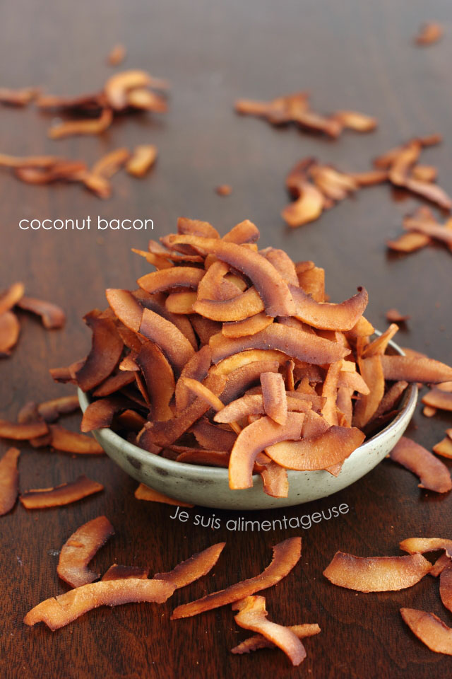Coconut bacon, because you sometimes crave something smoky, salty and crunchy. | Je suis alimentageuse | #vegan #glutenfree #coconut #DIY